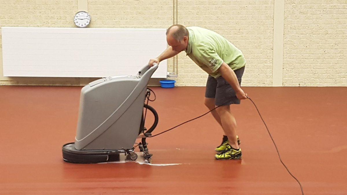 Floor polisher in action